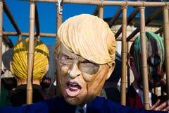 在viareggio狂欢节的唐纳德・川普面具  库存图片