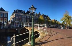 北荷兰省街道运河  免版税库存照片