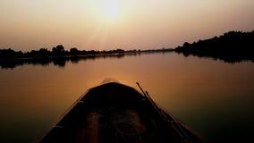 Łódź rybacka na jeziorze zdjęcie royalty free