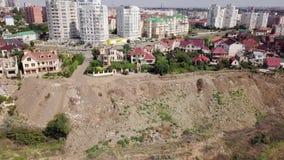 Łama w ziemi po trzęsienia ziemi w Chernomorsk, Ukraina zbiory wideo