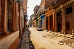 哈瓦那旧城城市生活 免版税图库摄影