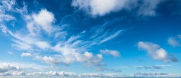 冬天天空cloudscape 免版税库存照片