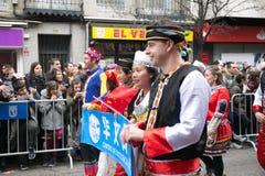 农历新年舞蹈和游行在Usera邻里,马德里,西班牙 库存图片