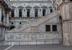 内部楼梯在共和国总督的宫殿在威尼斯 库存照片