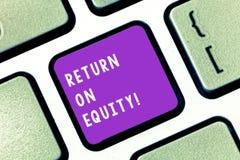 写显示资本权益报酬率的笔记 关于价值的企业照片陈列的有利事务  库存图片