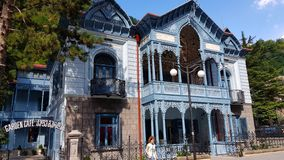 典型的新艺术主义房子在博尔若米温泉镇在乔治亚 库存图片
