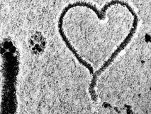 Ślad miłość w śniegu obraz royalty free