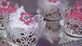 Świąteczny deser batożąca śmietanka w górę zdjęcie wideo