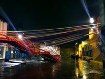 Świetlicowy Konex przy nocą na deszczowym dniu obrazy stock