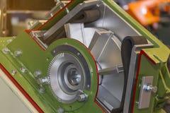 喷丸清理机器短剖面叶轮集合和刀片的关闭工业的 免版税库存图片