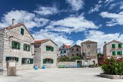 Å-epurine - malerisches Mittelmeerdorf auf Prvic-Insel, adriatische Küste, Kroatien Lizenzfreies Stockfoto