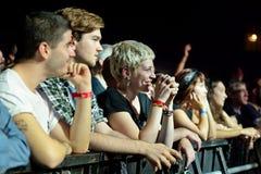Åhörare i en konsert på den Bime festivalen royaltyfria bilder