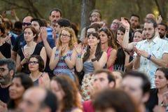 Åhörarna i en utomhus- konsert på Vida Festival royaltyfria bilder