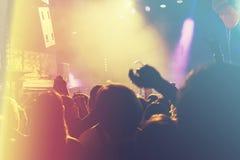 Åhörarna på en konsert Fotografering för Bildbyråer