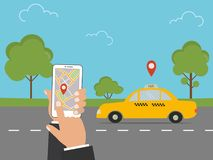 Åk taxi det tjänste- begreppet med en gul taxitaxi, en väg, händer med en telefon stock illustrationer