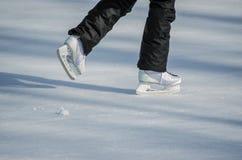 Åka skridskor för flicka Royaltyfri Bild