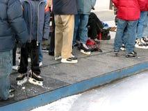 åka skridskor för isbana arkivfoto