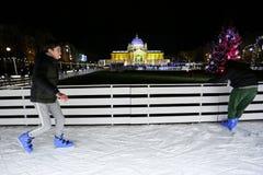 Åka skridskor isbanan i Zagreb Arkivbild