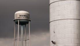 Åkerbrukt vatten Boswell för silo och för Watertower lagringsbehållare Royaltyfri Foto