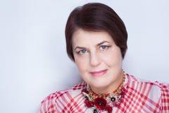 Ålderlyftande kvinna royaltyfria bilder