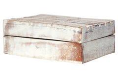Åldrades träridit ut gammalt för Closeuptappningtextur den tomma stängda rektangulära askcasketen som isolerades på vit bakgrund  arkivfoton