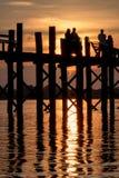 Åldras teakträt & en härlig solnedgång Arkivbilder