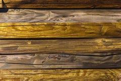 Åldrig plankanärbild för gammalt sjaskigt trä Trätextur med den idérika naturliga bakgrunden för skrapor och för sprickor som bas Arkivfoto