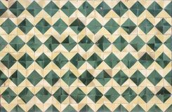 Åldrig väggwhitgräsplan och kräm åldrades mosaiker Royaltyfria Foton