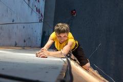 Åldriga Person Practicing Extreme Sport Royaltyfri Fotografi
