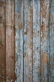 åldrigt målat ridit ut trä för staket naturligt royaltyfri bild
