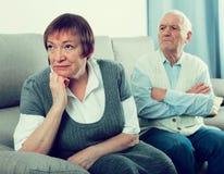 Åldringpar grälar Fotografering för Bildbyråer