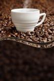 Ånga koppen kaffe Fotografering för Bildbyråer