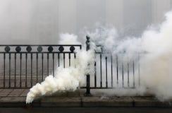 Ånga rök bombardera Fotografering för Bildbyråer