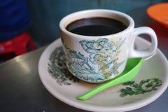 Ånga traditionellt orientaliskt mörkerkaffe för kinesisk stil Arkivfoton