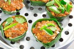 ångad curryfiskpaste Arkivfoton