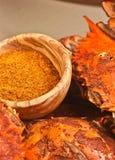 Ångade och kryddade blåa krabbor för Chesapeakefjärd Arkivbild