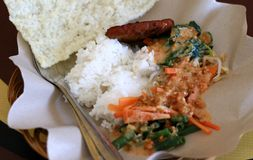 Ångade ris och Pecel Royaltyfri Foto