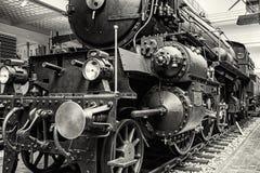 Ångalokomotiv i nationellt tekniskt museum i Prague, colorle royaltyfri foto
