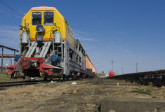 Ångalokomotiv på siding Arkivbild