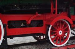 Ångalokomotiv, slut upp av hjul Royaltyfria Bilder