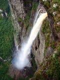 Ångande vattenfall Royaltyfria Bilder