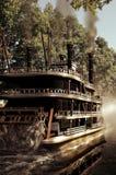 Ångbåt på floden Royaltyfri Fotografi