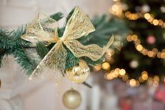 År för garnering för julgranfilialer nytt Arkivbilder