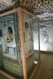 1500 år F. KR. forntida målning på väggen på egyptiska gravar Royaltyfri Foto