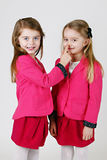 6 år gamla systrar Arkivfoto