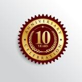 10 år guld- emblemlogo för årsdag vektor illustrationer