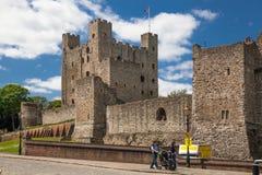 Århundrade för th för Rochester slott 12 Slotten och fördärvar av befästningar Kent sydostliga England Arkivfoton