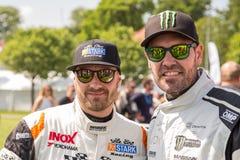 ÅRHUS DANMARK - MAJ 28 2016: Casper Elgaard och Shane Lynch (Boyzone) på det klassiska loppet Århus 2016 - DTC-chaufförer Royaltyfria Foton