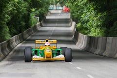 ÅRHUS DANMARK - MAJ 28 2016: Lorina McLaughlin #19 - Benetton B192 (före detta-Michael Schumacher), på det klassiska loppet Aar Arkivfoton