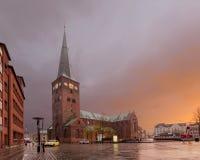 Århus domkyrka - domkyrka av den Ã-… rhusen på gryning denmark Arkivbilder
